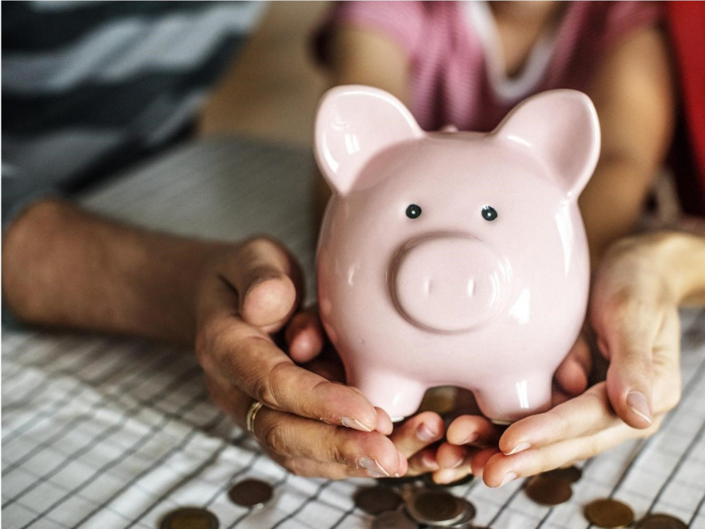 Keep Your Finances on Track with These Money Saving Tips